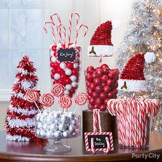 Candy cane christmas decorations party city easy and fun christmas party decoration ideas 19 Christmas Candy Bar, Christmas Birthday Party, Office Christmas Party, Noel Christmas, Christmas Crafts, Christmas Sweet Table, Christmas Party Backdrop, Themed Christmas Trees, Cute Christmas Desserts