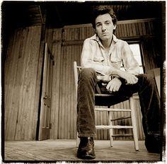 """ Bruce Springsteen by David Michael Kennedy for Nebraska "" Elvis Presley, The Boss Bruce, Annie Leibovitz Photography, Bruce Springsteen The Boss, Morrison Hotel, Band Photography, E Street Band, Men Photoshoot, Born To Run"