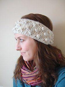 Bobble Headband Pattern-- perfect for snow days this winter! #crochetheadbandpatterns