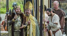 Vikings: Linus Roache as King Ecbert (Jonathan Hession/History)