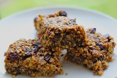 No refined carbohydrates, no added sugar, no sweeteners, no cheating with honey either. This is a flapjack recipe with absolutely no junk! Also can be made dairy free. Oats Recipes, Baby Food Recipes, Gourmet Recipes, Baking Recipes, Healthy Recipes, Meal Recipes, Family Recipes, Veggie Recipes, Healthy Foods