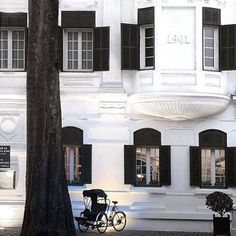 Love a Facebook memory  Four years ago today we were staying at this amazing hotel in Hanoi. Stunning architecture. Loved Hanoi loved Vietnam. #Hanoi #Vietnam #colonial #metropole #metropolehanoi #sofitel #sofitelhanoi #frenchquarter #holiday #holidayflashback #architecture #shutters #rickshaw #cyclo #expatdays #expatlife #travel #familyholiday by kylieredden