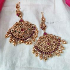 Temple Jewellery Designs By South India Jewels! Bridal Jewelry, Gold Jewelry, Gold Earrings Designs, South India, Temple Jewellery, Bridal Sets, Designer Earrings, Indian Jewelry, Jewelry Sets