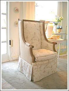 MermaidToile-Chair.jpg 280×371 pixels