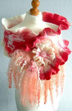 Vilten, vilten wol sieraden vrouw ART sjaal en broche-koraal DELIGHT-