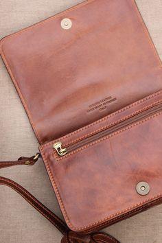 02f211e9f00e Maxwell Scott Bags propose des collections business, voyages, sacs à main  et petite maroquinerie du quotidien pour Hommes et Femmes.
