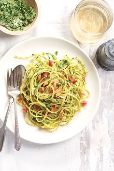 New recipes to eat fast without breaking your head. Source by sandboisse Rice Recipes, Easy Healthy Recipes, Vegetable Recipes, New Recipes, Easy Salads, Easy Meals, Eating Fast, One Pot Pasta, Food Challenge