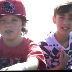 Merell Twins, Annie And Hayden, Hayden Summerall, Aesthetic Shoes, Old Video, Orlando, Best Friends, Channel, Celebs