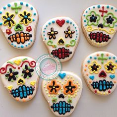 Halloween is right around the corner!! Not too late to place orders! Visit Sugarysweetcookies.com for more details ❤️ #cookies #art #food #baking #love #desserts #sweets #halloween #bakesale #diadelosmuertos #sugarskulls #halloweentreats #party #popular #followme #skulls #favors #sugarysweetcookies
