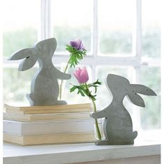 Deko-Figur Minivase Hase Vorderansicht You are in the right place about how to make Cement Here we offer you the most beautiful pictures about the Cement art you are looking for. When you examine the Cement Art, Concrete Crafts, Concrete Art, Wooden Crafts, Diy And Crafts, Easter Table Decorations, Easter Decor, Diy Ostern, Spring Crafts