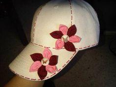 gorras de niña decoradas - Buscar con Google Baseball Cap, Headbands, Doodles, Fabric, Handmade, Crafts, Hat, Halloween, Fashion