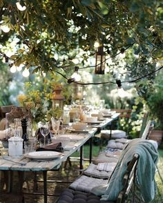 beautiful outdoor table setting al fresco dining Outdoor Rooms, Outdoor Dining, Outdoor Gardens, Outdoor Decor, Outdoor Table Settings, Rustic Outdoor, Outdoor Ideas, Outdoor Furniture, Garden Cottage
