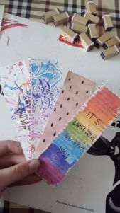 DIY: 4x watercolored boekenleggers
