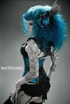 gorgeous teal blue hair