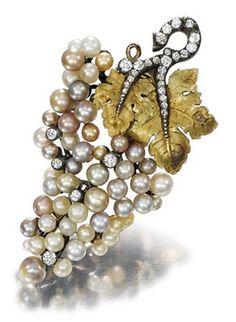 grapes in jewellery Diamond Brooch, Pearl Brooch, Silver Brooch, Pearl Diamond, Edwardian Jewelry, Antique Jewelry, Vintage Jewelry, Pearl Jewelry, Jewelery
