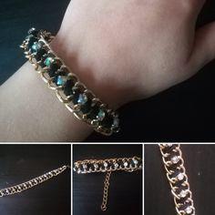 Bracelet fait maison avec 2 chaînes, un lacet et des strass