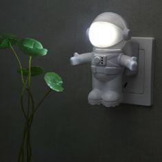 Astronauts light-activated night light LED Night Light Child Bedside nightlight Intelligent Light Sensing Control 220V 1W