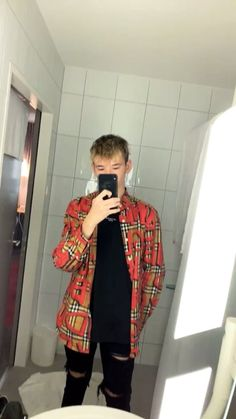 Martinus my mennn🔥🔥 Marcus Y Martinus, 17 Kpop, Bars And Melody, Dream Boyfriend, Cute Twins, My Crush, Super Skinny Jeans, Handsome Boys, Pretty People