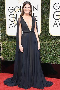 Golden Globes 2017 Red Carpet Mandy Moore in Naeem Khan