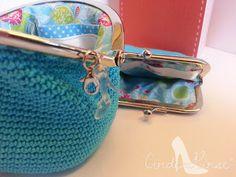 Turquoise Crochet Coin Purse Kiss Klasp Porta-moedas Niqueleira em Crochet Turquesa Fecho Beijinho