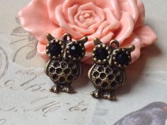 4 Pieces of 15mm x 20 mm Big Eyes Owl Antique by CarmanTreasures, $2.99