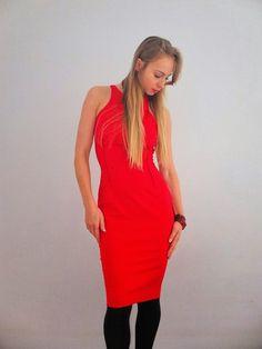 Elegancja. Woman in red.