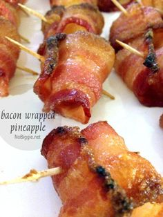 wrapped pineapple - have you tried it yet? Bacon Wrapped Pineapple - Only two ingredients and very delicious.Bacon Wrapped Pineapple - Only two ingredients and very delicious. Summer Party Appetizers, Holiday Appetizers, Appetizers For Party, Appetizer Recipes, Party Snacks, Hawaiian Appetizers, Tropical Appetizers, Picnic Recipes, Summer Parties