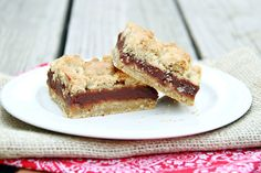 Let's Dish Recipes: CHOCOLATE OATMEAL COOKIE BARS