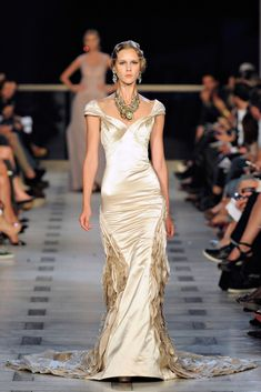 Zac Posen Spring 2012 Ready-to-Wear Fashion Show Collection