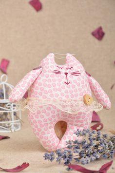 Kinderzimmerdekoration - Handmade Stofftier Katze Ballerina mit Herzen - ein Designerstück von WeicherPanda bei DaWanda