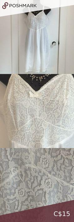 Vintage white cotton and lace lingerie slip dress Cotton Slip, White Cotton, Dress Vintage, Vintage Ladies, Lace Lingerie, Underarm, Bodice, Gay, Shape