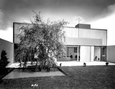 Casa Francoulon, México D.F. 1954.  Ramón Torres y Héctor Velázquez