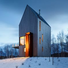 A modern cabin architecture design located in Cape Breton Nova ...