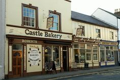 Castle Bakery, Beaumaris by [davidrobertsphotography], via Flickr