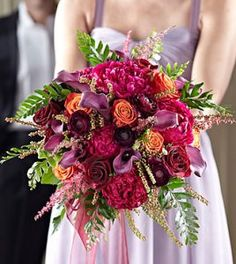 Garden splendor bouquet is the perfect choice for every wedding.Visit wholesale flowers Toronto shop to see the extensive range of options available to you. Floral Wedding, Wedding Flowers, Natural Bouquet, Hand Bouquet, Orange Roses, Local Florist, Light In The Dark, Floral Arrangements, Wedding Gowns