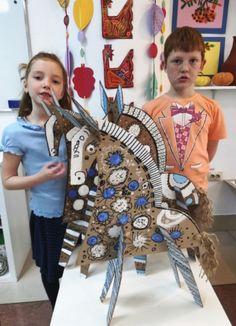 Life After Implant - RetroModa Cardboard Sculpture, Cardboard Art, Ecole Art, School Art Projects, Art Lesson Plans, Recycled Art, Art Classroom, Art Club, Cute Crafts