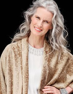 """Search result for """"sylviane degunst"""" - Gray hair rules - Cheveux Grey Hair Don't Care, Long Gray Hair, Silver Grey Hair, Silver Haired Beauties, Grey Hair Inspiration, Beautiful Old Woman, Color Plata, Ageless Beauty, Aging Gracefully"""