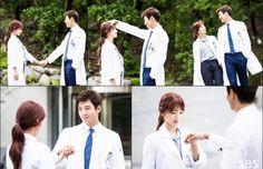 Kim Rae won and Park shin hye in Doctors 2016 Doctors Korean Drama, Kim Rae Won, Drama 2016, Korean Actors, Korean Dramas, Love K, Movie Couples, Japanese Drama, Park Shin Hye