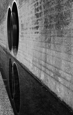 experimentaljs: Quella soglia tra la vita e la morte Carlo. Space Architecture, Architecture Details, Memorial Architecture, Carlo Scarpa, Unusual Buildings, Concrete Forms, Dark City, Time Photo, Architectural Elements