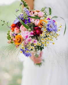 33 Wildflower Wedding Bouquets Not Just For The Country Wedding Wedding Flower Guide, Bright Wedding Flowers, Wedding Flower Design, Summer Wedding Bouquets, Wedding Flower Arrangements, Bridal Flowers, Flower Bouquet Wedding, Wedding Colors, Wedding Ideas