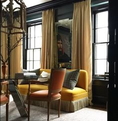Dining Room Ideas: Try a Banquette In Place of Chairs For More Style (and Seating Space) Home Interior, Interior Decorating, Banquette Seating, Living Spaces, Living Room, Design Blog, Design Art, Elegant Homes, Interiores Design