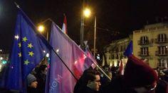 Ezt is megértük: EU-zászlókkal tüntet a Jobbik. Részletek a főoldalunkon