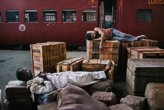 """""""We sleep of our lives away.""""- Albert Einstein """"The best bridge between despair and hope is a good night's sleep. Steve Mccurry, Story Of The World, People Of The World, Image Photography, Travel Photography, Vivre A New York, Les Philippines, World Press Photo, From Here To Eternity"""