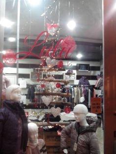 le nostre vetrine....www.luluabbigliamentobambini.it