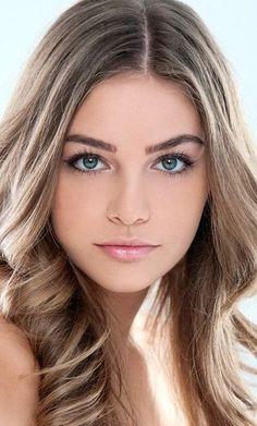 Women so many beautiful Top 18