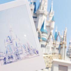 Disney's Magic Kingdom :: Melting at the most magical place on earth & Disney Dream, Disney Love, Disney Vacations, Disney Trips, Disney Pixar, Walt Disney, Parc Disneyland, Disneyland Photos, Disney Parque