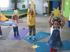 Une belle façon de rendre le yoga amusant pour les jeunes enfants... Petit vidéo à l'appui!