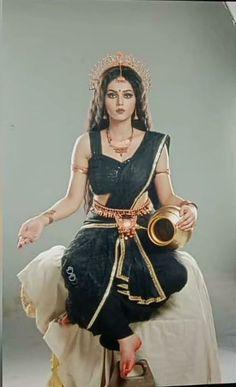Radha Krishna Pictures, Radha Krishna Photo, Krishna Photos, Cute Girl Pic, Cute Girls, Kali Goddess, Beautiful Women Pictures, Art Gallery, Princess Zelda