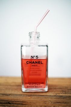 Fruit Punch, Chanel No. You know you´re cool if you drink juice from a chanel No. Chanel No 5, Coco Chanel, Tattoo Wallpaper, Wallpaper Wallpapers, Fitness Video, Fruit Shop, Images Esthétiques, Boujee Aesthetic, Silvester Party