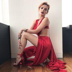 Bella Thorne †